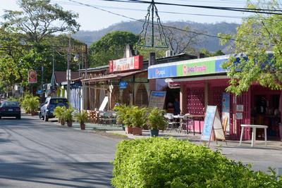 Costas shops